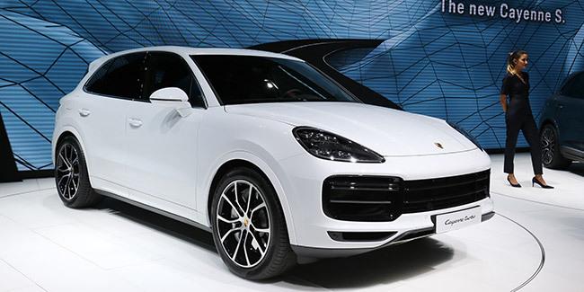550 ch et une aérodynamique active — Porsche Cayenne Turbo